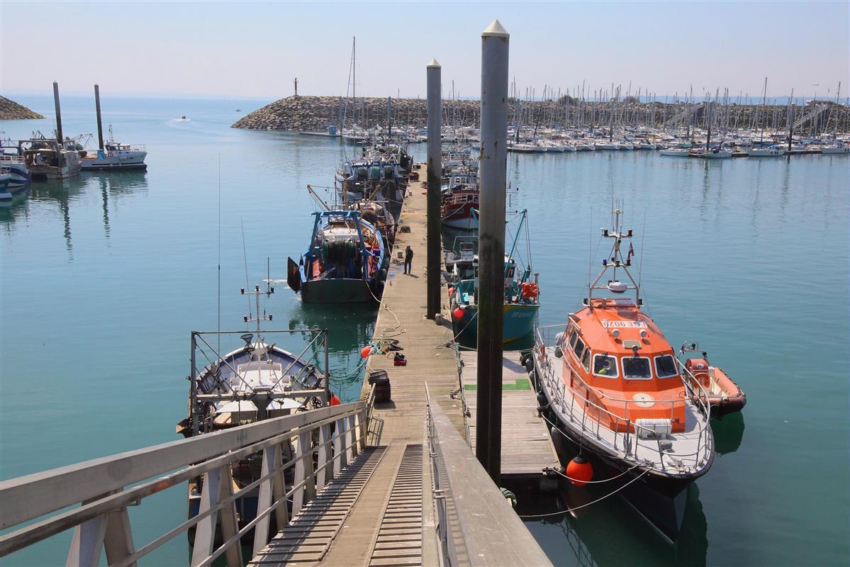 Les ports de saint quay portrieux location de vacances c tes d 39 armor tourisme et loisirs en - Port de peche cote d armor ...